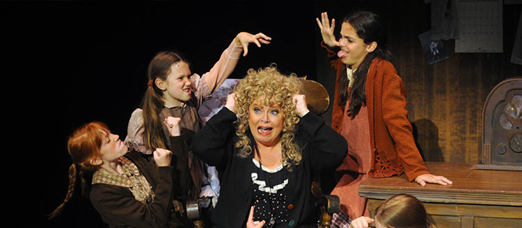 Sally Struthers Steals the Show